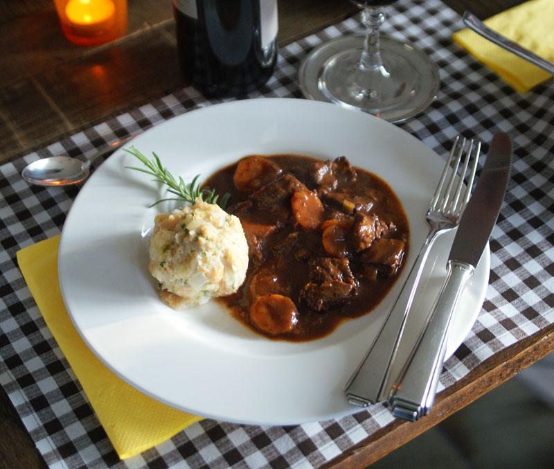 Daube de boeuf - Rindfleisch in Rotwein (Slowcooker-Rezept)